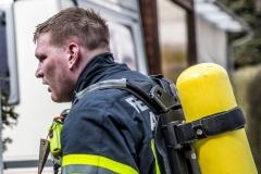 Feuerwehrmann nach Atemschutzeinsatz